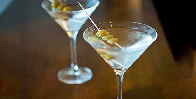 Free Friday Cocktails for Louis Copeland CHQ Shoppers
