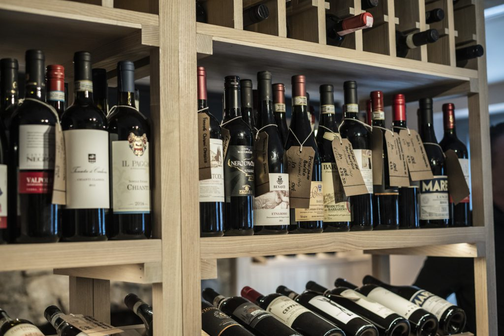 Do you need some inspiration for Easter wines? Please read our wine recommendations for you to enjoy this Easter! We have even recommended what you should pair them with! Best of all, they are all available at ELY WINE STORE, Maynooth!